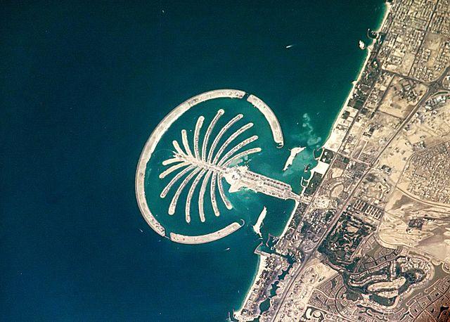 Der Blick aus dem All auf das Palm-Resort in Dubai