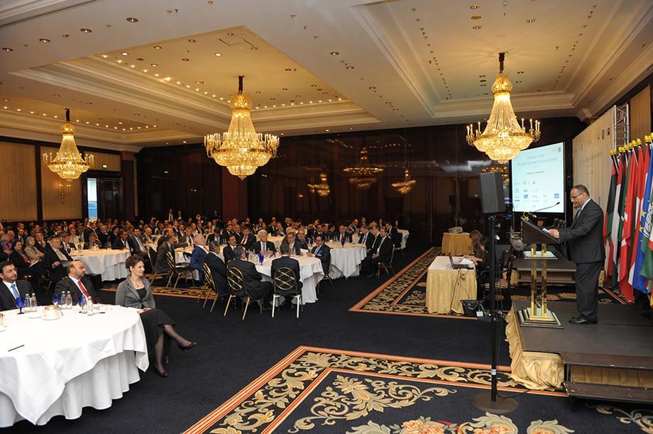 Abdulaziz Al-Mikhlafi begrüßt die Teilnehmer des 19. Ghorfa Wirtschaftsforum 2016